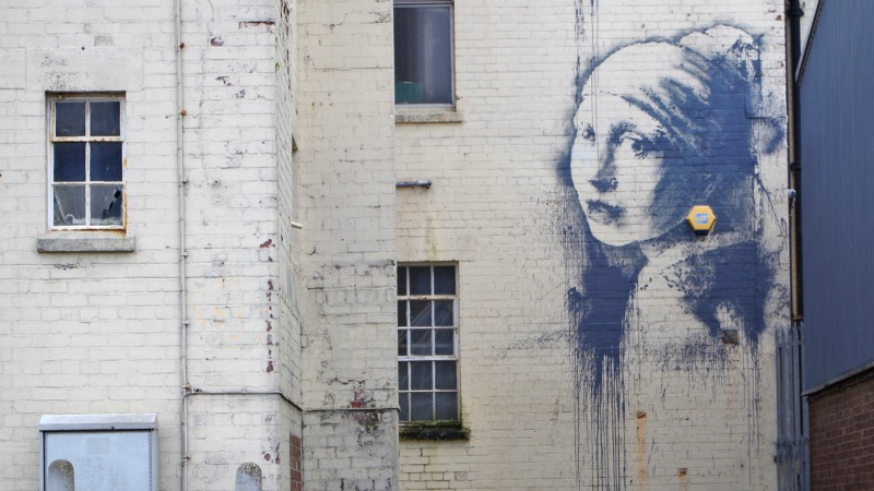 New Banksy mural appears in Bristol